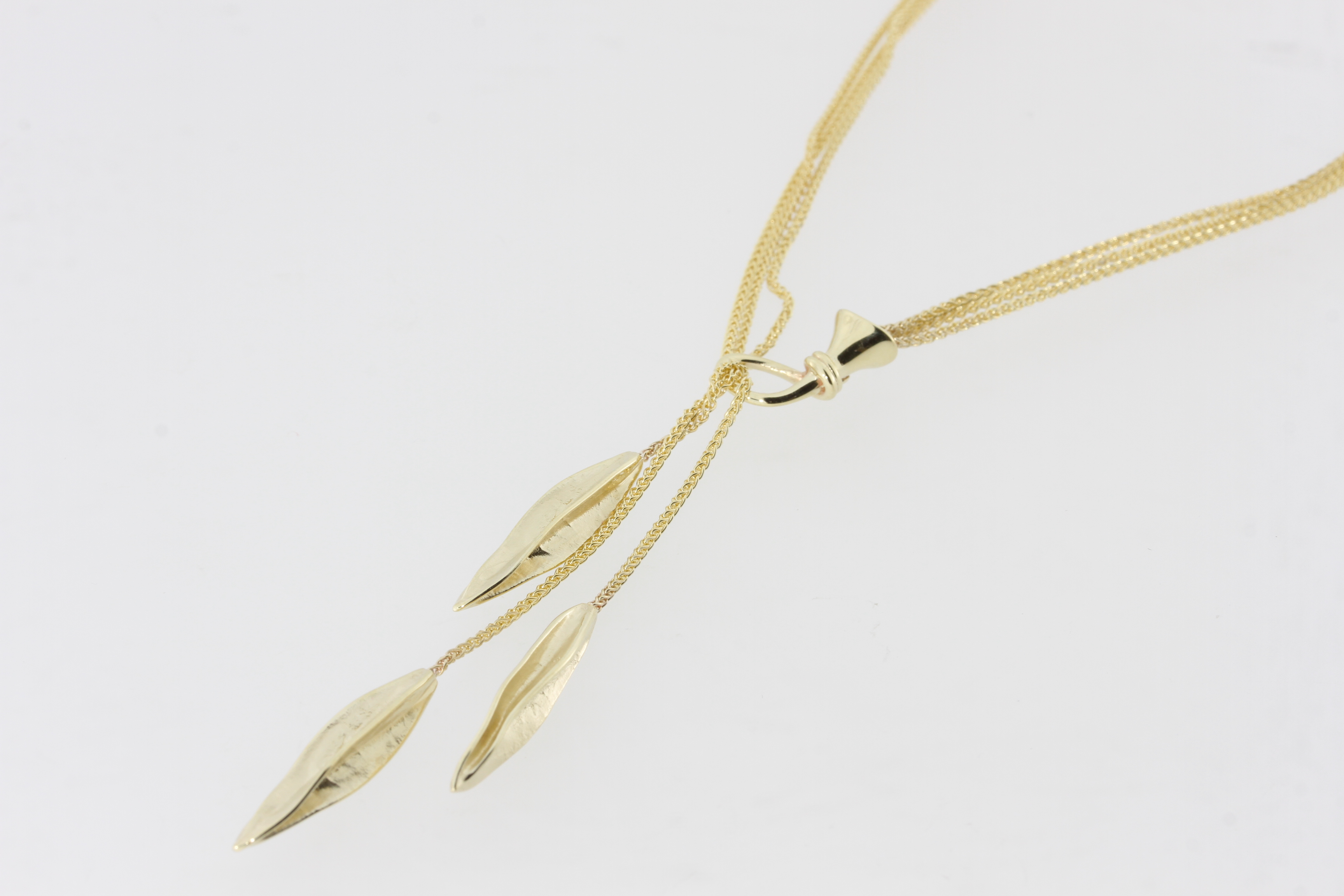 Payet seed pod necklace