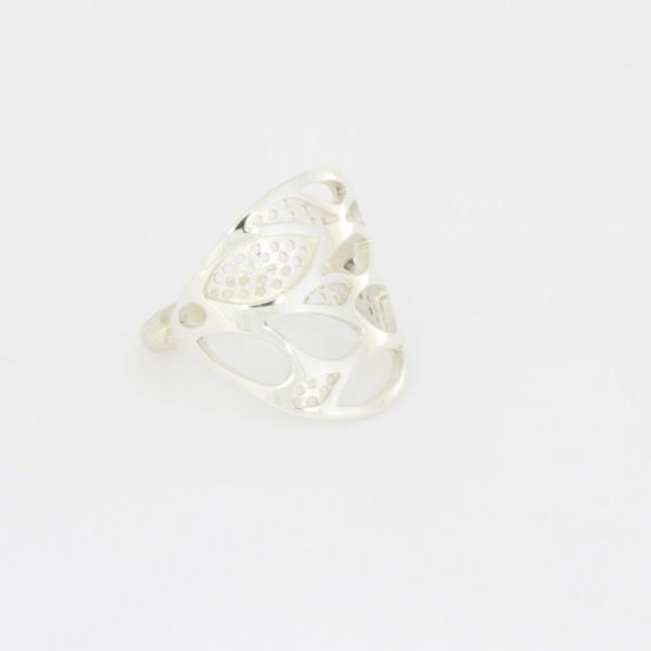 Payet lace leaf ring