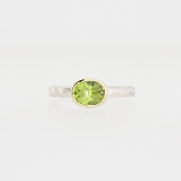 Payet peridot narrow band ring