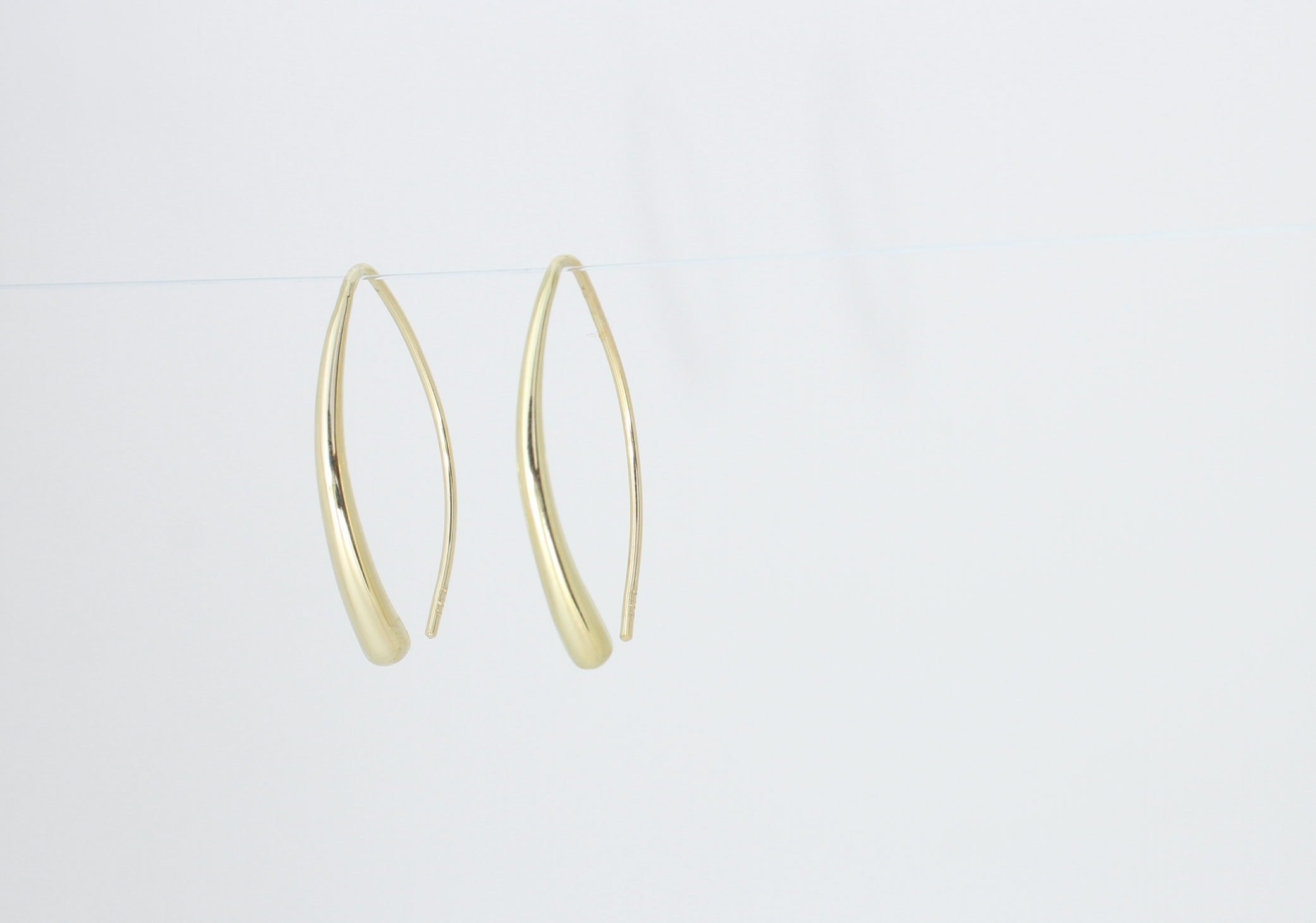 Payet medium drop earring