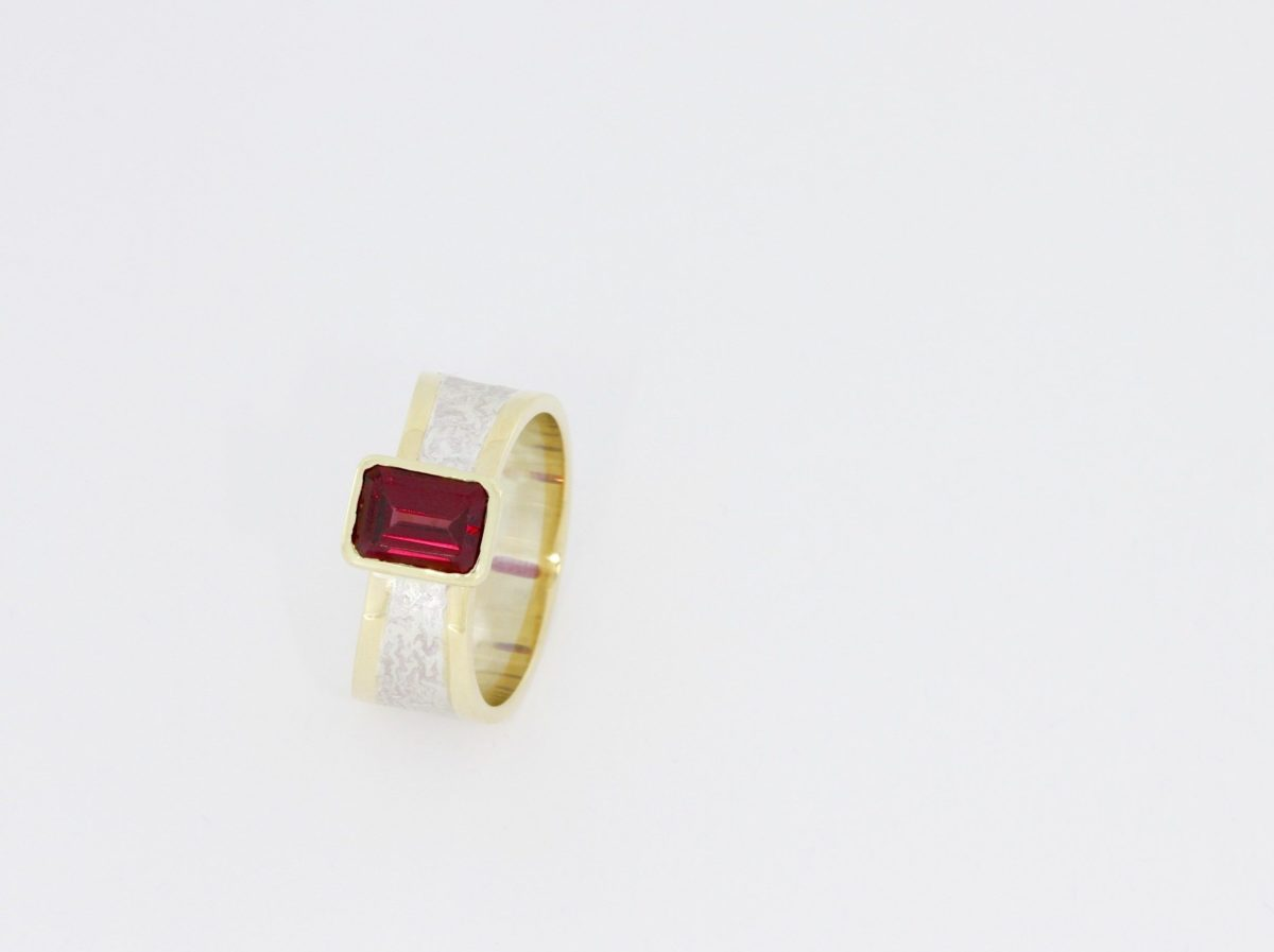 Payet tapered garnet ring