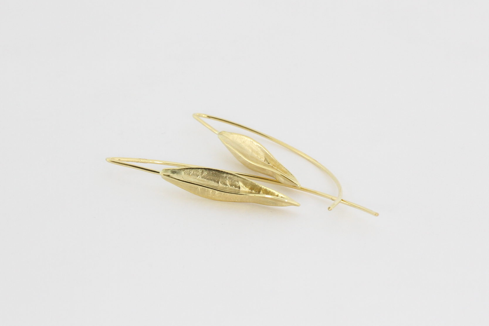 Payet seed pod earrings