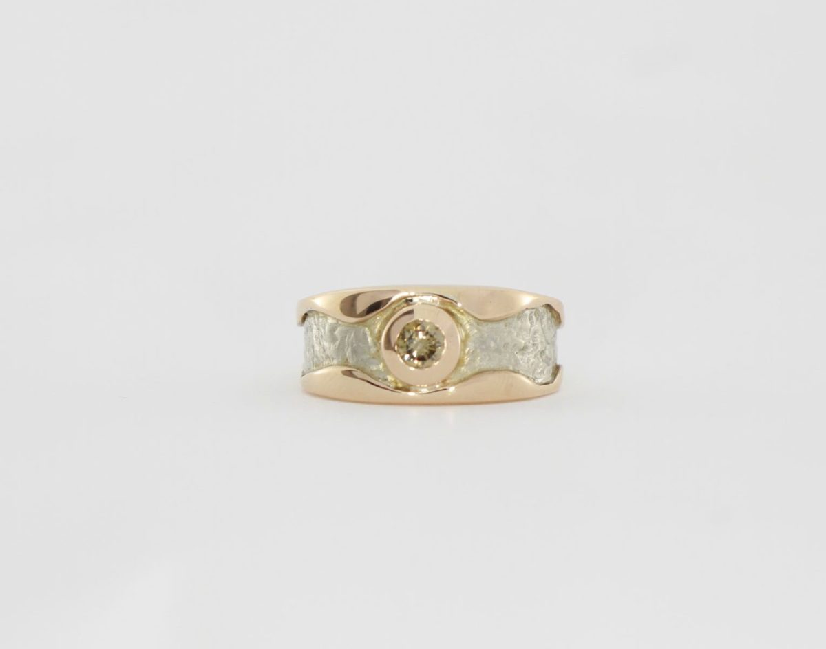 Payet cognac diamond textured ring
