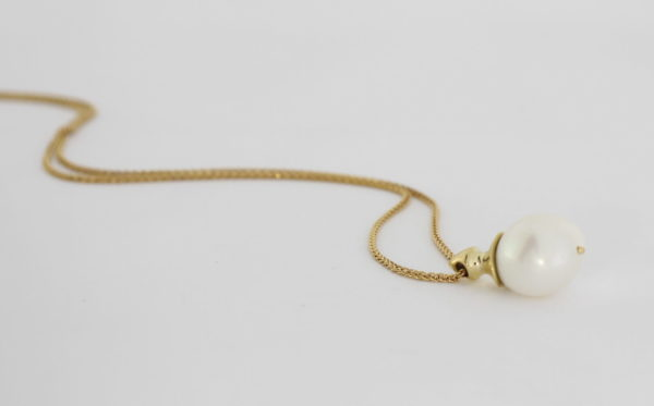 Payet fresh water pearl gold pendant