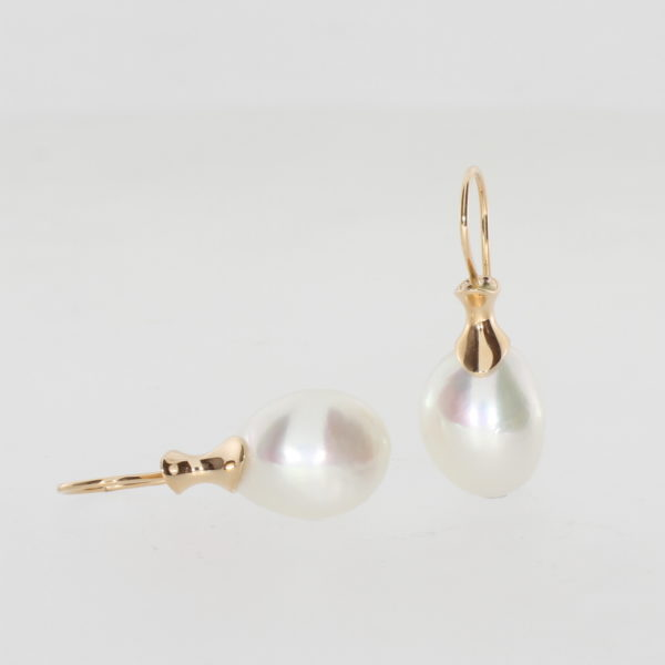 Payet fresh water pearl and gold earrings