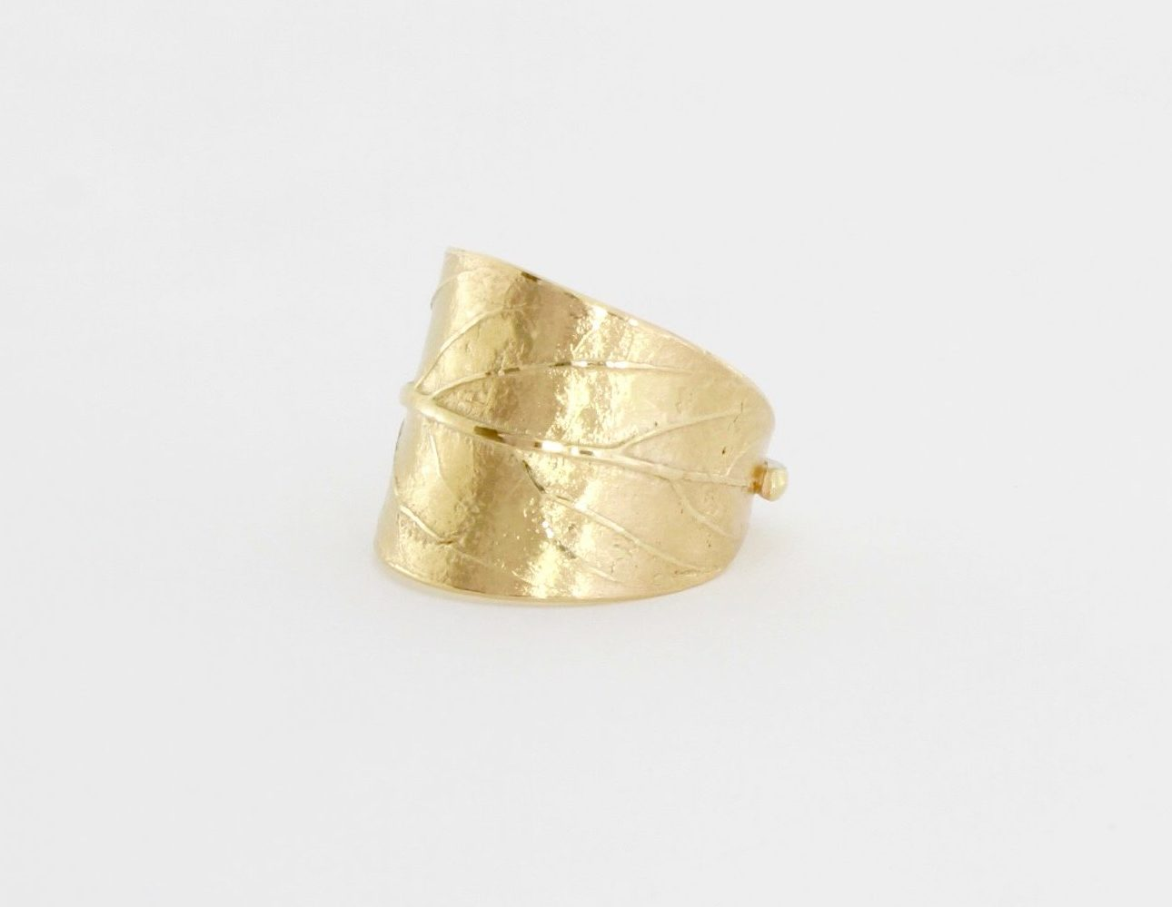 Payet avacado leaf ring