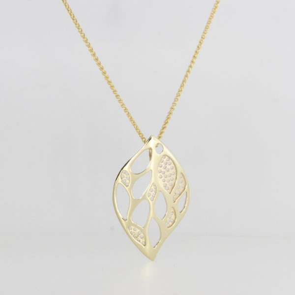 Payet 9ct gold pendant